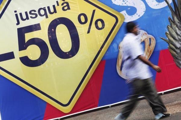 Ce samedi 6 février, premier jour des soldes, des mesures restrictives supplémentaires sont appliquées, et notamment les nouvelles jauges dans les commerces.