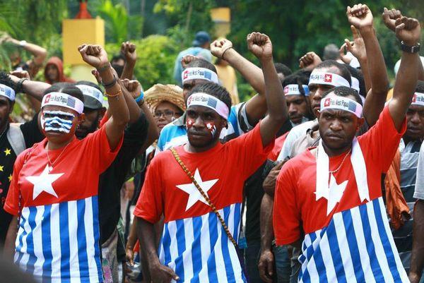 Des étudiants manifestent en faveur de l'indépendance de la Papouasie occidentale.
