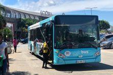 Un bus de la ligne 2 à Matoury