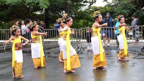 Fête du sport 2018 au Mont-Dore: danse indonésienne.