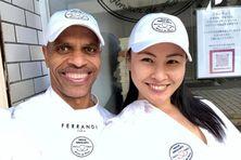 Niki et Arold Jandia Saito prêts à accueillir la clientèle.