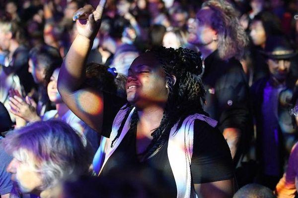 Sakifo 2019 foule devant Lindigo vendredi 8 juin