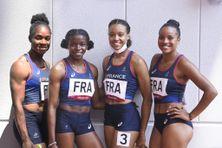 Gemima Joseph et Cynthia Leduc, au centre, lors des demi-finales du relais 4 x 100 m à Tokyo où, 6e de leur classement, elles ont pu se qualifier pour la finale.