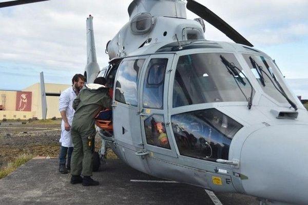 frégate de surveille Nivôse évacuation agent archipel de Crozet 060320