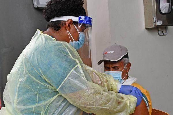 Fidji vaccination Covid