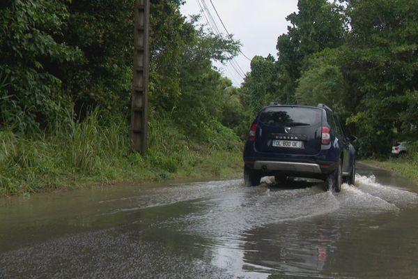 Route inondée à Chazeau