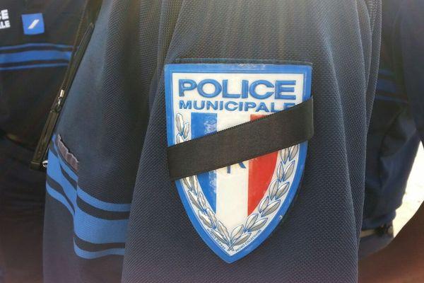Hommage policiers municipaux