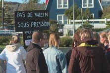 Plus d'une soixantaine de personnes mobilisées contre la vaccination obligatoire des personnels soignants et de santé, à Saint-Pierre et Miquelon