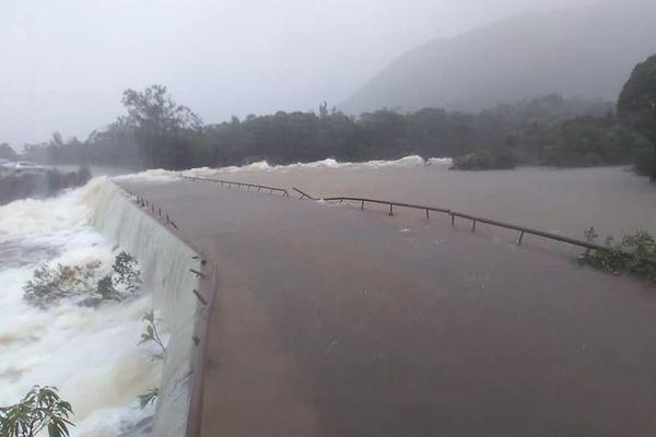 pont nouty yaté inondé