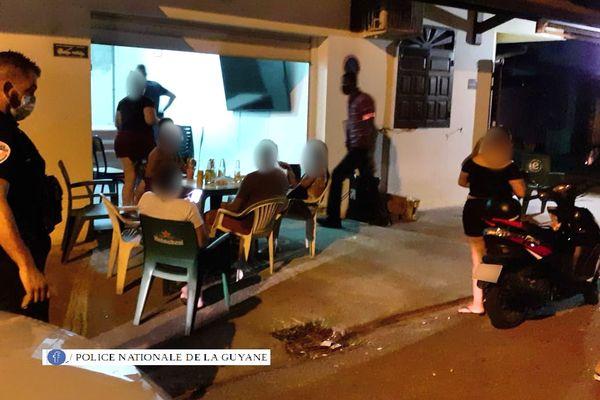Cayenne : opération de contrôle du couvre feu dans le village chinois