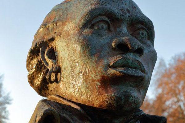 Buste Toussaint-Louverture