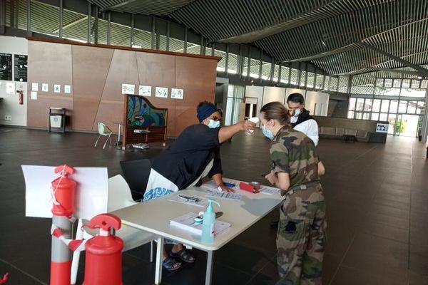 Renfort militaire pour les soignants du Médipôle