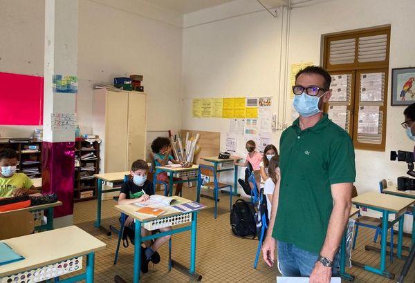 L'enseignant de la classe de CM2