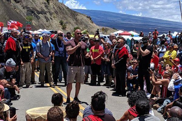 hawaï, the rock s'attaque au telescope