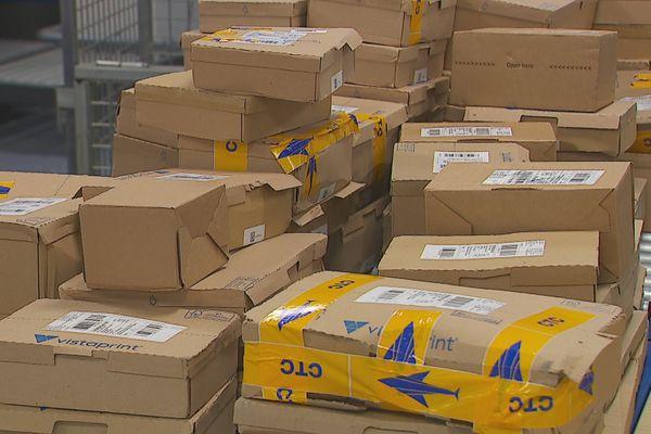 Moins d'avions et ports australiens encombrés à l'origine des retards d'acheminement des colis