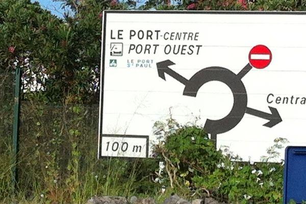 Centrale thermique du Port : panneau de signalisation
