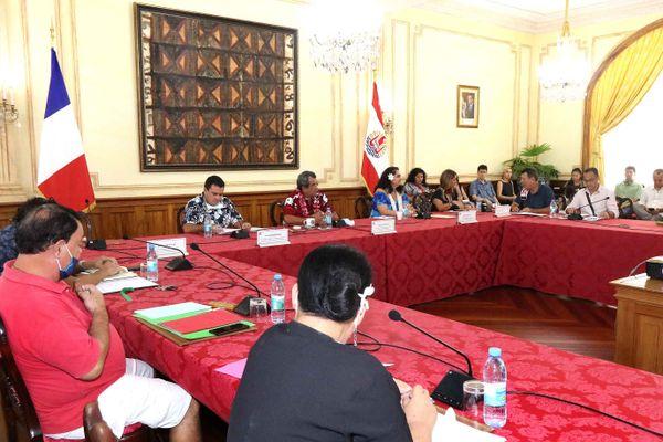 réunion patrons syndicat Pays