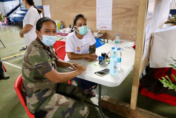 Des volontaires du RSMA en renfort au vaccinodrome de Mahina