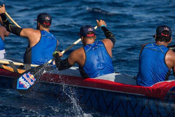 Molokai Hoe : Red Bull ou Shell va'a ?