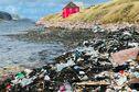 Une forte pollution constatée à l'île aux Marins après le passage de l'ouragan Larry