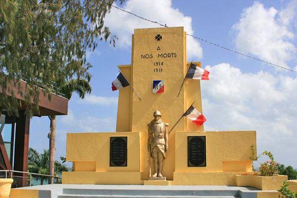 Monument aux morts de Baie-Mahault