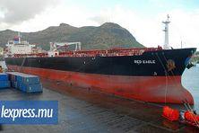 Red Eagle, le pétrolier de Betamax, qui ravitaillait l'île Maurice jusqu'en 2014