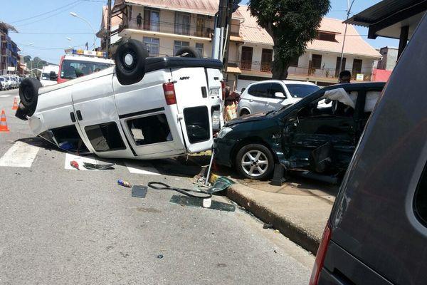 Accident en plein Cayenne