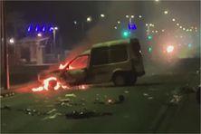 Une voiture incendiée à Fort-de-France (31 juillet 2021).