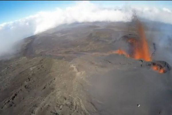 201505119 DRONE Volcan