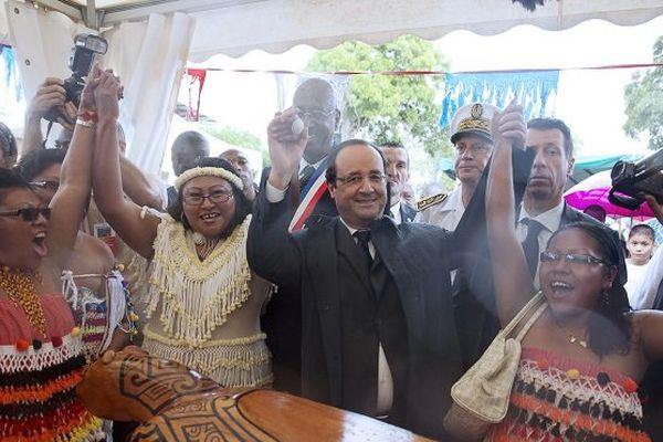 François Hollande à Mana en décembre 2013.