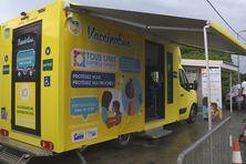 Le vaccinobus commence sa mission à Schoelcher par le quartier l'Enclos.