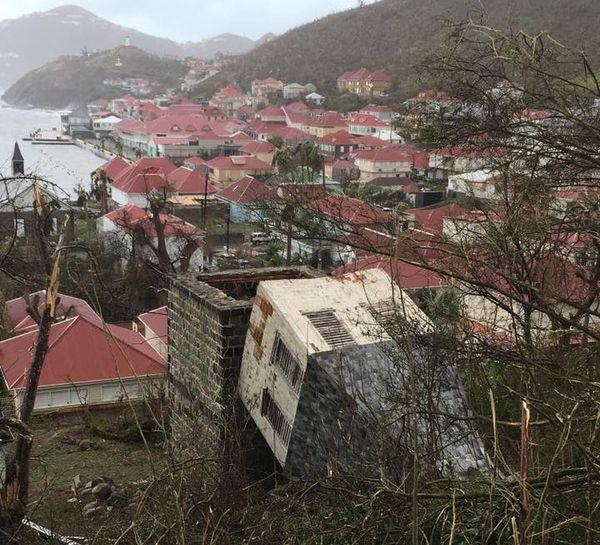clocher suédois de St-Barth après Irma