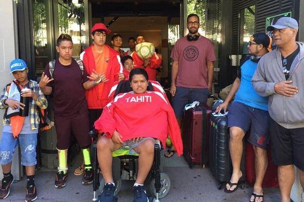 Un groupe de 8 jeunes en situation de handicap en métropole