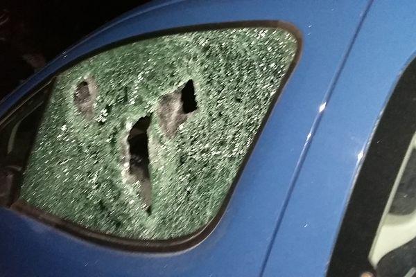 Voiture de gendarme vandalisée