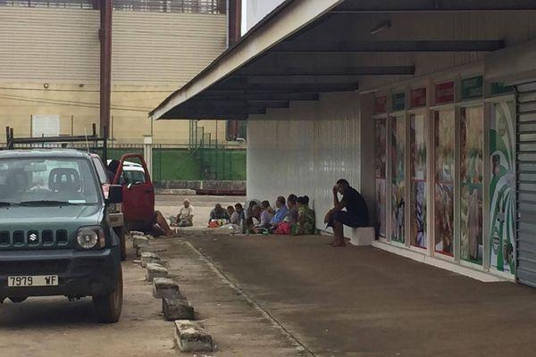 Blocage du nouveau supermarché SEM par les villageois de Mata'utu