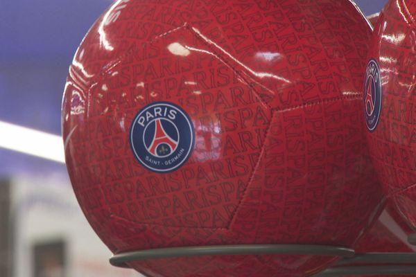 Le ballon PSG indispensable pour les supporters