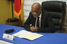 """Ariel Henry, le premier ministre d'Haïti, lors du quatrième Conseil des ministres qui statuait notamment sur la mise en place du Comité de reconstruction nationale et sur l'Accord politique pour une gouvernance """"apaisée et efficace de la période intérimaire"""" ce lundi 13 septembre"""