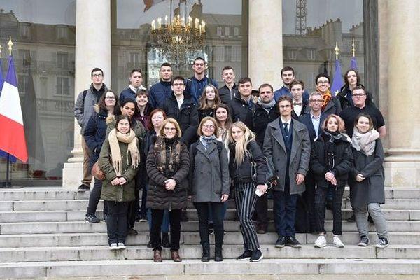 Les élèves de terminale du lycée Emile Letournel en visite à l'Elysée