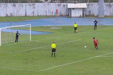 Séance de tirs aux buts au stade Edmard Lama
