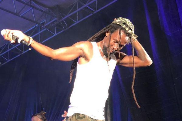 Jah Cure en concert au Camp de la Transportation