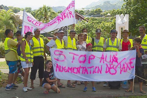 """Une dizaine de """"gilets jaunes"""" à Tahiti"""
