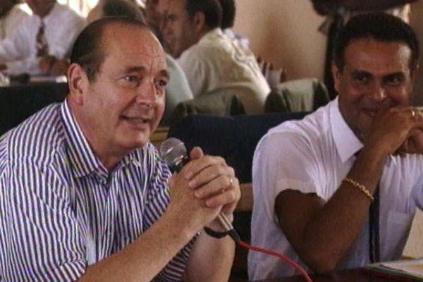Jacques Chirac et Léon Bertrand à la mairie de Saint-Laurent du Maroni