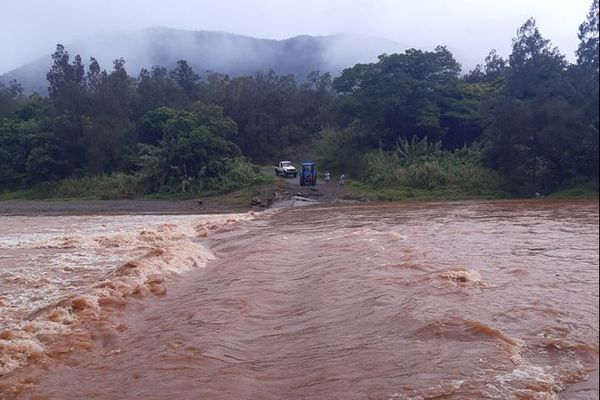 Inondation pont de Poro