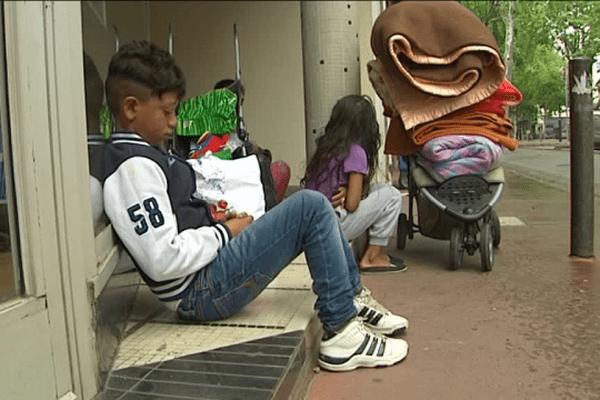 Une famille comorienne qui vivait dans la rue recueillie par une toulousaine