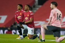Des joueurs de Manchester United, dont le guadeloupéen Anthony Martial, avait posé un genou à terre contre le racisme ,avant la rencontre face à Sheffield.