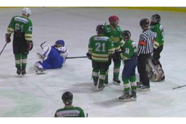 Le président de la ligue de hockey sur glace de Saint-Pierre et Miquelon joue l'apaisement