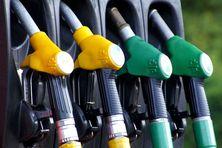 Pompes à gazole routier et Supercarburant sans plomb.