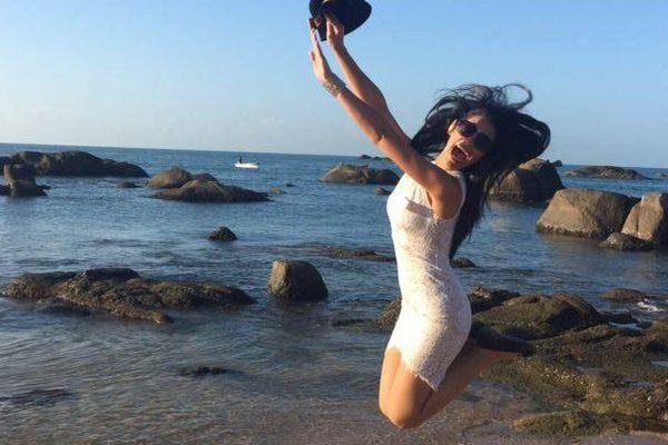 Hinarere Taputu - Miss Word France 2015 - A la plage de Hainan