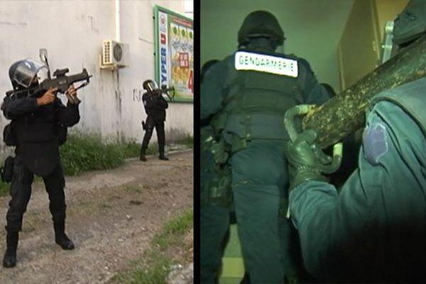 Gendarmes armés