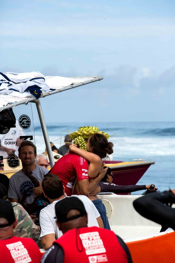 Kelly Slater , sacré champion de la Billbaong Pro Tahiti 2016.